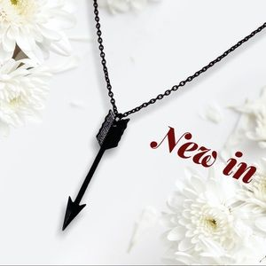 RESTOCK NEW - black necklace alloy ARROW guy cool